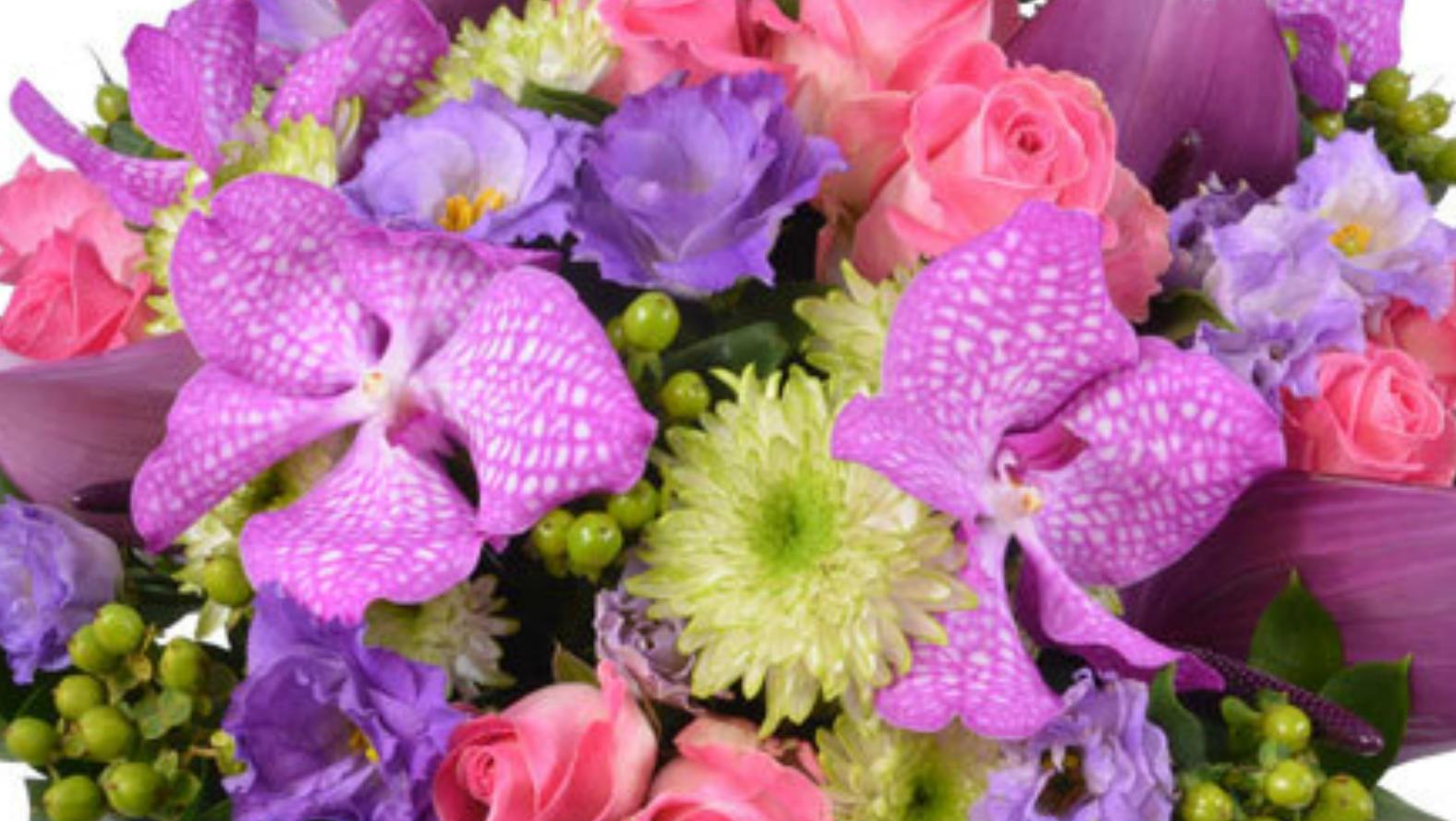 Bouquet dexception france flower station luxury orchids izmirmasajfo Choice Image