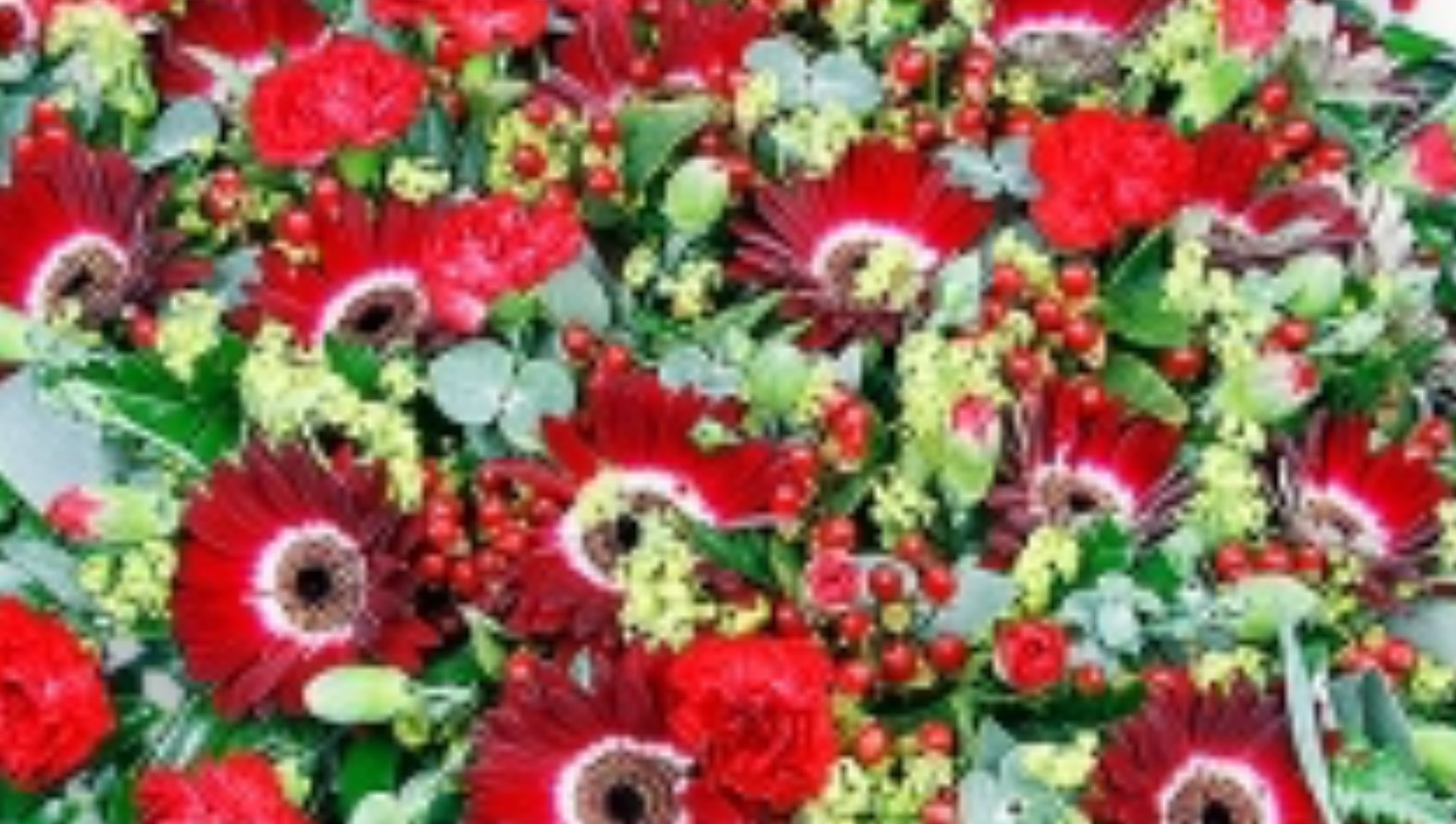Red heart flower tribute funeral flower delivery london and uk red heart flower tribute izmirmasajfo Images
