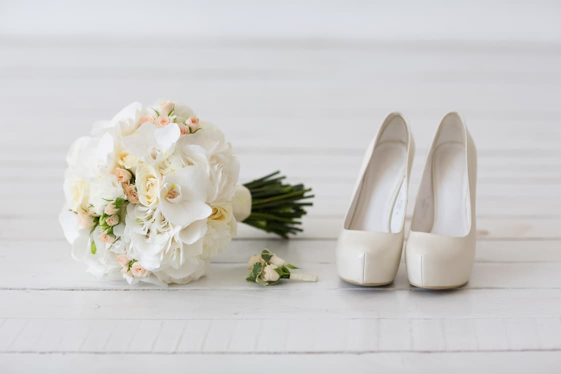 Bridal Bouquets And Buttonholes Wedding Flowers Flower Station